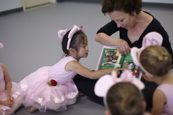 AngelinaBallerina class with teacher 2